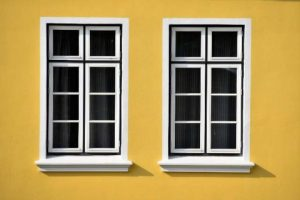 Tips hindari tersambar petir - hindari jendela